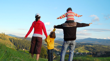 featured-image_0006_shutterstock_idaho-family-in-mountains